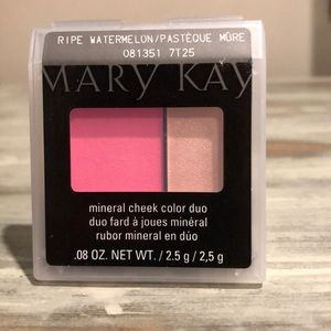 Mary Kay Ripe Watermelon mineral cheek color duo